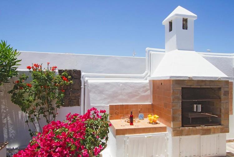 3 Bed  Villa/House for Sale, Puerto Del Carmen, Lanzarote - LA-LA964s 3
