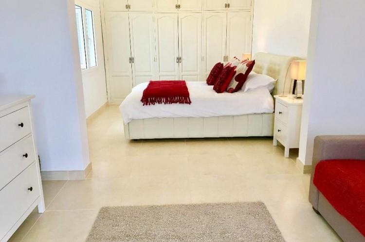 3 Bed  Villa/House for Sale, Puerto Del Carmen, Lanzarote - LA-LA964s 9