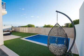 4 Bed  Villa/House for Sale, Costa Adeje, Santa Cruz de Tenerife, Tenerife - DH-LUX0326