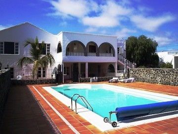 10 Bed  Villa/House for Sale, San Bartolome, Lanzarote - LA-LA928s