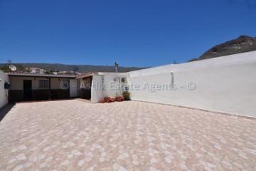 2 Bed  Villa/House for Sale, Valle De San Lorenzo, Arona, Tenerife - AZ-1452