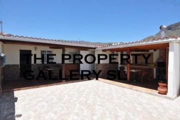 2 Bed  Villa/House for Sale, Valle De San Lorenzo, Tenerife - PG-AAEP1452