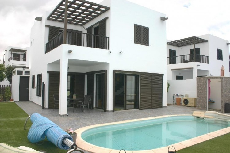 3 Bed  Villa/House for Sale, Costa Teguise, Lanzarote - LA-LA962