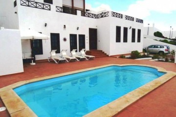 4 Bed  Villa/House for Sale, Tias, Lanzarote - LA-LA967s
