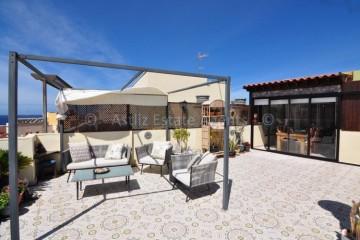 2 Bed  Villa/House for Sale, Playa San Juan, Guia De Isora, Tenerife - AZ-1465