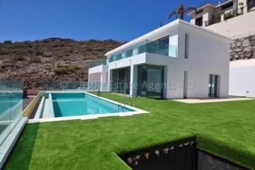 5 Bed  Villa/House for Sale, Torviscas Alto, Adeje, Tenerife - AZ-1467