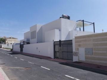 4 Bed  Villa/House for Sale, Santa Cruz de Tenerife, Tenerife - PT-PW-300