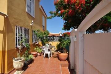 4 Bed  Villa/House for Sale, Piedra Hincada, Guia De Isora, Tenerife - AZ-1472