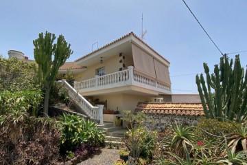 4 Bed  Villa/House for Sale, Tajuya, El Paso, La Palma - LP-E663