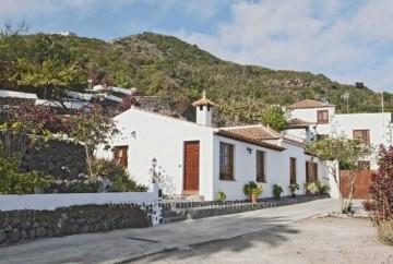 2 Bed  Villa/House to Rent, Icod de los Vinos, Tenerife - IC-ACH10735