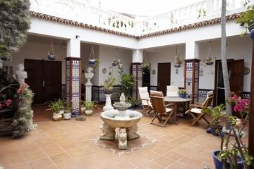 5 Bed  Villa/House for Sale, Santa Ursula, Tenerife - IC-VCH10220