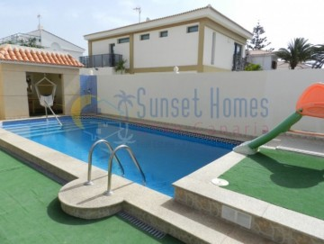 4 Bed  Villa/House for Sale, Sonnenland, San Bartolomé de Tirajana, Gran Canaria - SH-1644S