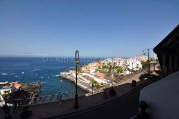 2 Bed  Flat / Apartment for Sale, Puerto De Santiago, Santiago Del Teide, Tenerife - AZ-1493