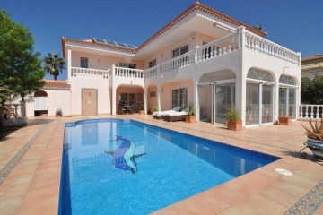 4 Bed  Villa/House for Sale, Callao Salvaje, Tenerife - NP-03088