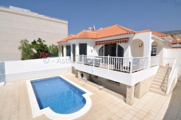 4 Bed  Villa/House for Sale, Playa De La Arena, Santiago Del Teide, Tenerife - AZ-1502