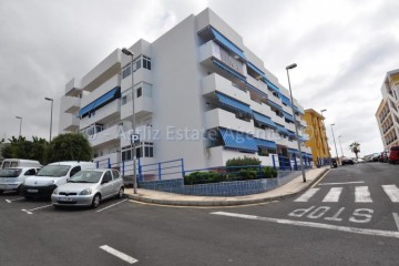 2 Bed  Flat / Apartment for Sale, Playa De La Arena, Santiago Del Teide, Tenerife - AZ-1504