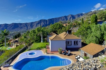 4 Bed  Villa/House for Sale, Los Pedregales, El Paso, La Palma - LP-E672