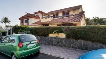 4 Bed  Villa/House for Sale, Tafira Baja, The Canary Islands, Provincia de Las Palmas - CH-GMM174868