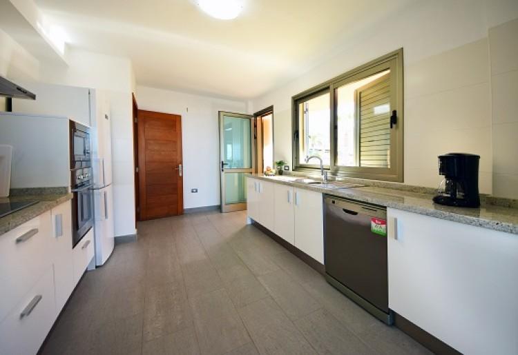 4 Bed  Villa/House for Sale, Adeje, Tenerife - MP-V0514-4 10