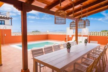 4 Bed  Villa/House to Rent, Corralejo, Las Palmas, Fuerteventura - DH-XVPTALATLVIEW42-0121