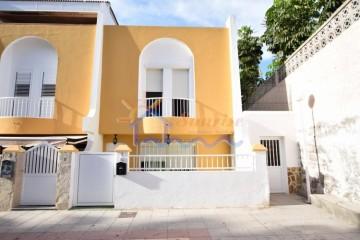 3 Bed  Villa/House to Rent, SAN BARTOLOME DE TIRAJANA, Las Palmas, Gran Canaria - MA-C-510