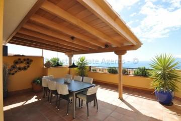 2 Bed  Flat / Apartment for Sale, Playa De La Arena, Santiago Del Teide, Tenerife - AZ-1531