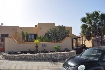 2 Bed  Villa/House for Sale, Costa Calma, Las Palmas, Fuerteventura - DH-VPTVILCC2-0221