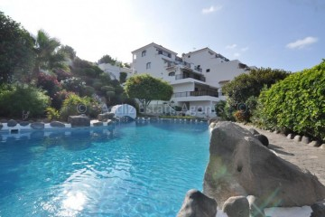 2 Bed  Flat / Apartment for Sale, Playa De La Arena, Tenerife - AZ-1535