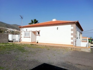 3 Bed  Villa/House to Rent, Candelaria, Santa Cruz de Tenerife, Tenerife - PR-CHA0088ASS