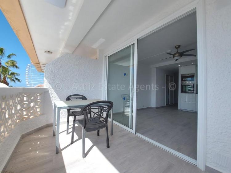 1 Bed  Flat / Apartment for Sale, Playa De Las Americas, Arona, Tenerife - AZ-1537 10