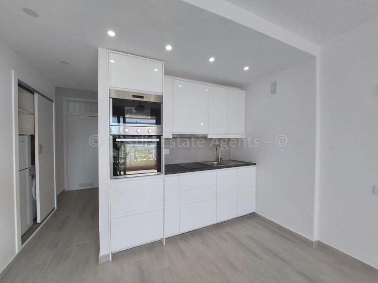 1 Bed  Flat / Apartment for Sale, Playa De Las Americas, Arona, Tenerife - AZ-1537 12