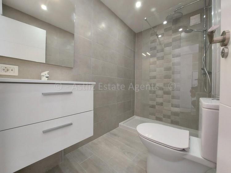 1 Bed  Flat / Apartment for Sale, Playa De Las Americas, Arona, Tenerife - AZ-1537 13