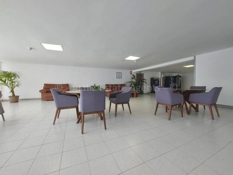 1 Bed  Flat / Apartment for Sale, Playa De Las Americas, Arona, Tenerife - AZ-1537 17