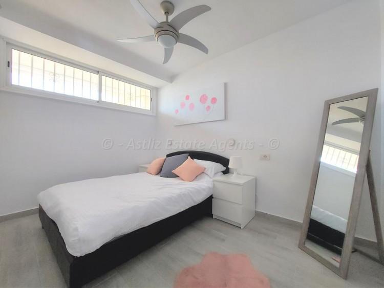 1 Bed  Flat / Apartment for Sale, Playa De Las Americas, Arona, Tenerife - AZ-1537 2