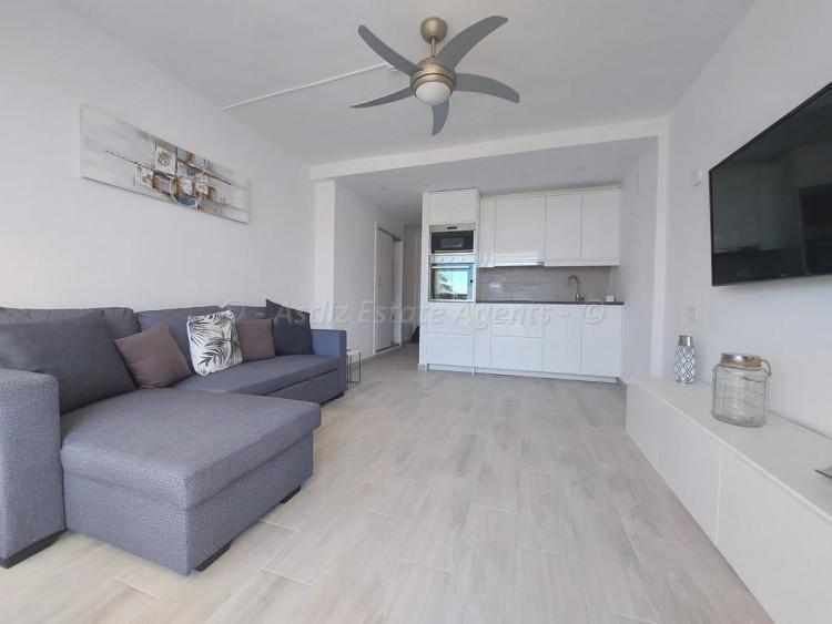 1 Bed  Flat / Apartment for Sale, Playa De Las Americas, Arona, Tenerife - AZ-1537 4