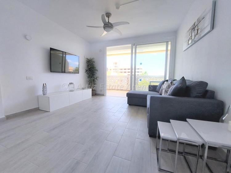 1 Bed  Flat / Apartment for Sale, Playa De Las Americas, Arona, Tenerife - AZ-1537 6