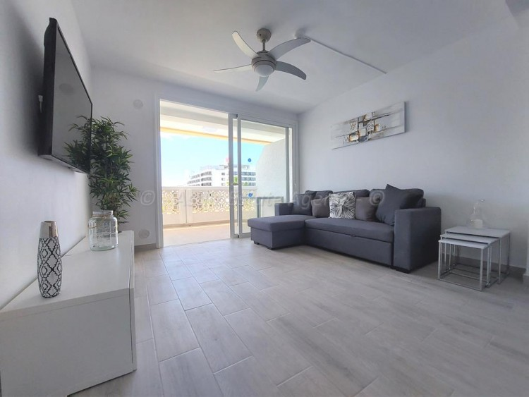 1 Bed  Flat / Apartment for Sale, Playa De Las Americas, Arona, Tenerife - AZ-1537 7