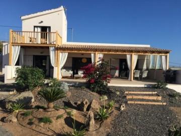3 Bed  Villa/House for Sale, Playa San Juan, Tenerife - SB-SB-321