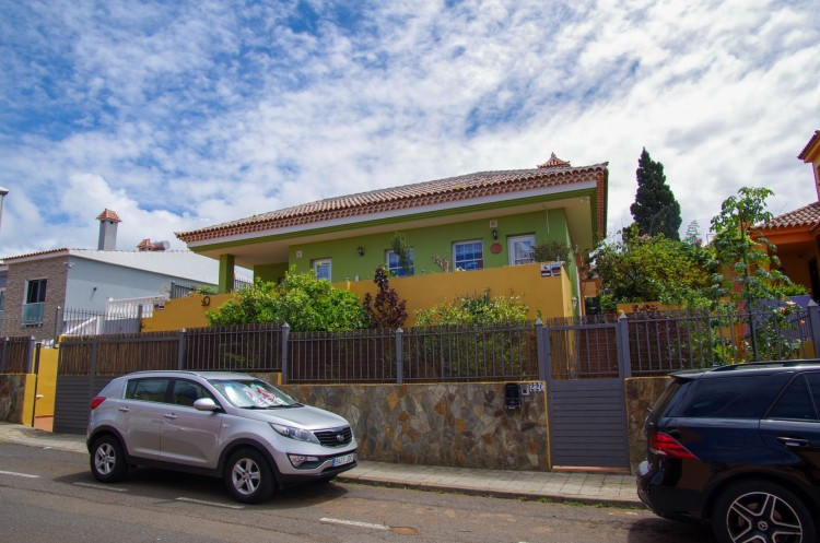 5 Bed  Villa/House for Sale, Tacoronte, Santa Cruz de Tenerife, Tenerife - PR-CHA0091VKH 1