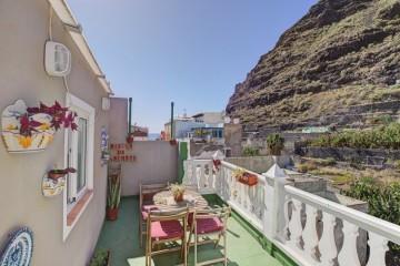4 Bed  Villa/House for Sale, Puerto Tazacorte, Tazacorte, La Palma - LP-Ta120