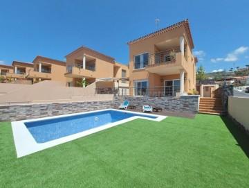 5 Bed  Villa/House for Sale, Puerto De Santiago, Santiago Del Teide, Tenerife - AZ-1545