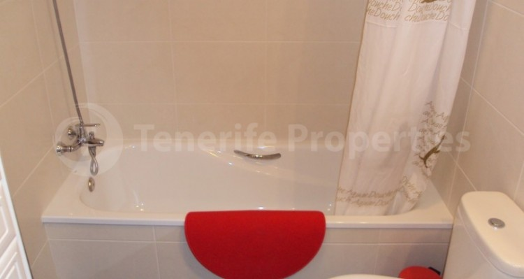 1 Bed  Flat / Apartment for Sale, Los Cristianos, Tenerife - TP-21070 13