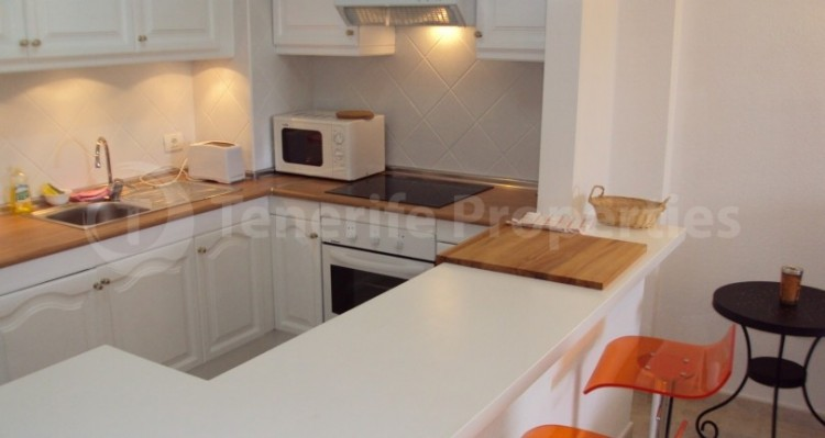 1 Bed  Flat / Apartment for Sale, Los Cristianos, Tenerife - TP-21070 18