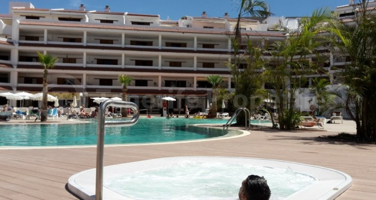 1 Bed  Flat / Apartment for Sale, Los Cristianos, Tenerife - TP-21070 4