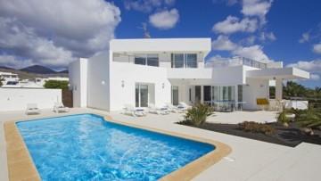 4 Bed  Villa/House for Sale, Yaiza, Las Palmas, The Canary Islands, Provincia de Las Palmas - CH-GMM210057