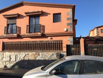 3 Bed  Villa/House for Sale, Puerto del Rosario, Las Palmas, Fuerteventura - DH-VSLPUERT689-0621