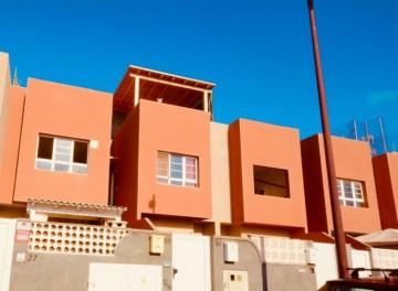 2 Bed  Flat / Apartment for Sale, Puerto del Rosario, Las Palmas, Fuerteventura - DH-XVTPUERMAT21-0621