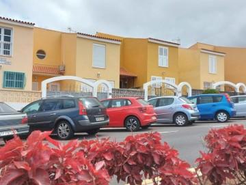 4 Bed  Villa/House for Sale, Piedra Hincada, Guia De Isora, Tenerife - AZ-1566