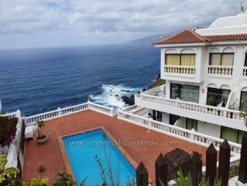 2 Bed  Flat / Apartment for Sale, Puerto de la Cruz, Tenerife - IC-VAP10996