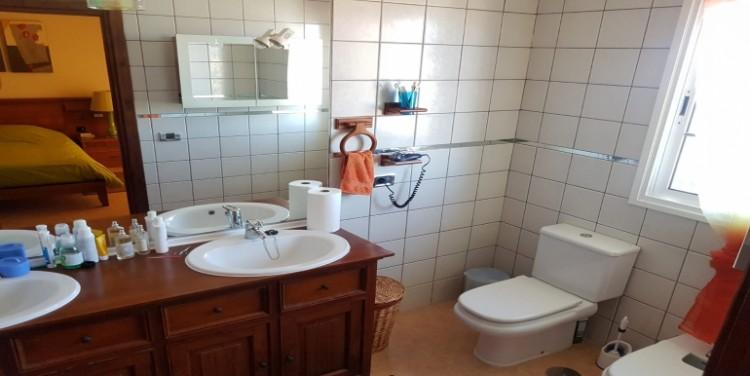 3 Bed  Villa/House for Sale, Agua Dulce, Tenerife - SA-7577 5